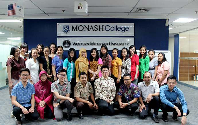 indonesian-monash-college-staff